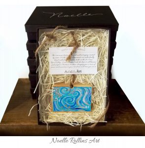 11 boxed ornament gift set