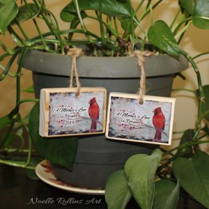 set of to cardinal ornaments